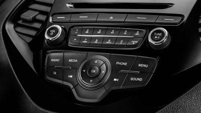 Ford Ka+ console